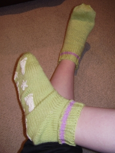 Bedsocks with puff paint feet